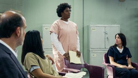 觀賞受困電梯。第 7 季第 6 集。
