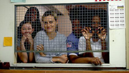觀賞綁在鐵軌上。第 5 季第 8 集。