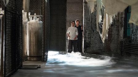 觀賞仙人出洞。第 1 季第 6 集。
